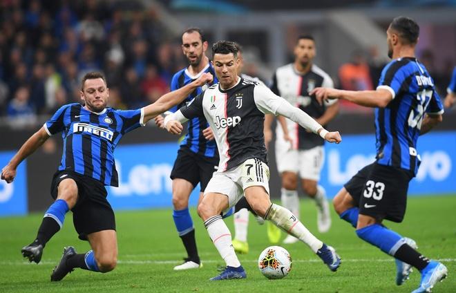 Ronaldo khong gap may trong ngay Juventus thang Inter 2-1 hinh anh 1
