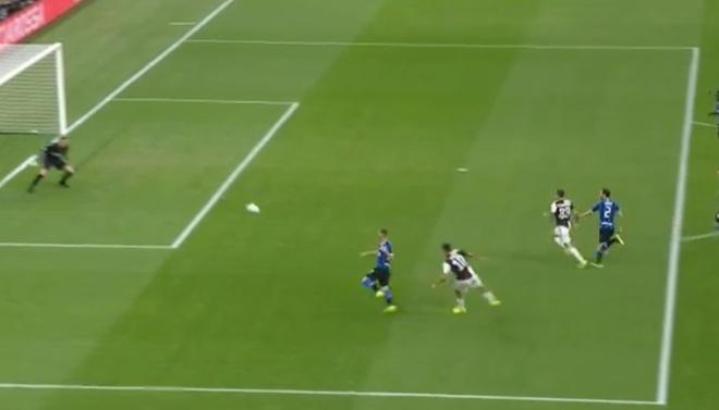 Ronaldo khong gap may trong ngay Juventus thang Inter 2-1 hinh anh 12