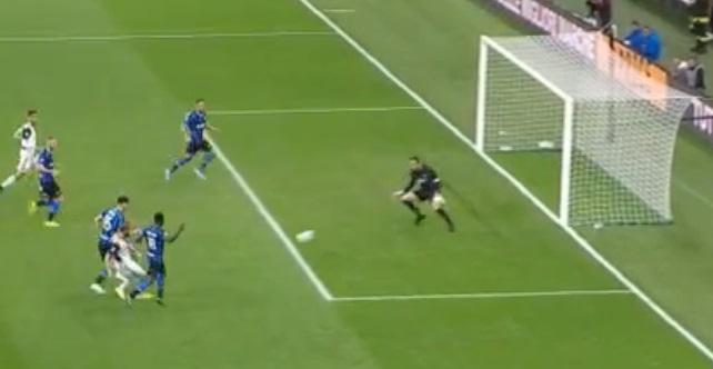 Ronaldo khong gap may trong ngay Juventus thang Inter 2-1 hinh anh 26