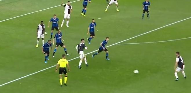 Ronaldo khong gap may trong ngay Juventus thang Inter 2-1 hinh anh 18