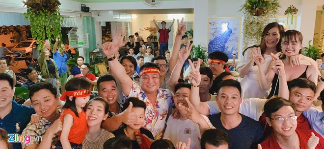 Viet Nam len nhi bang sau tran thang Indonesia hinh anh 38