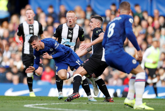 Chelsea 1-0 Newcastle: Marcos Alonso toa sang hinh anh 16