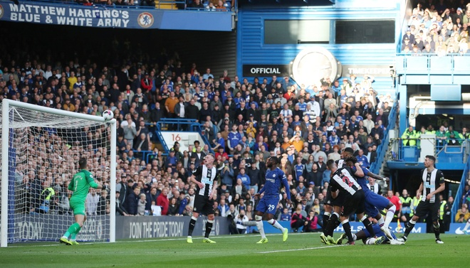 Chelsea 1-0 Newcastle: Marcos Alonso toa sang hinh anh 19