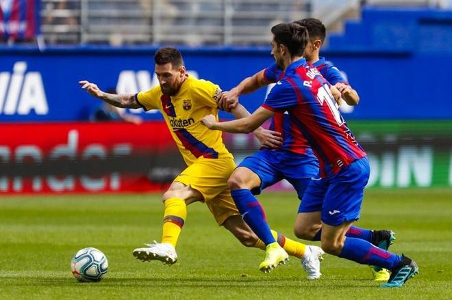 Messi, Griezmann ghi ban dua Barca chiem ngoi dau cua Real hinh anh 8
