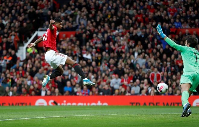 Man Utd chan dung chuoi tran thang cua Liverpool hinh anh 29