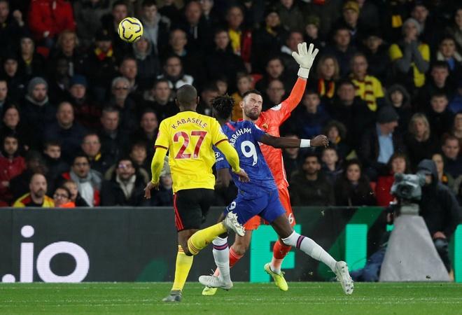 Tammy Abraham thang hoa giup Chelsea ha Watford hinh anh 6