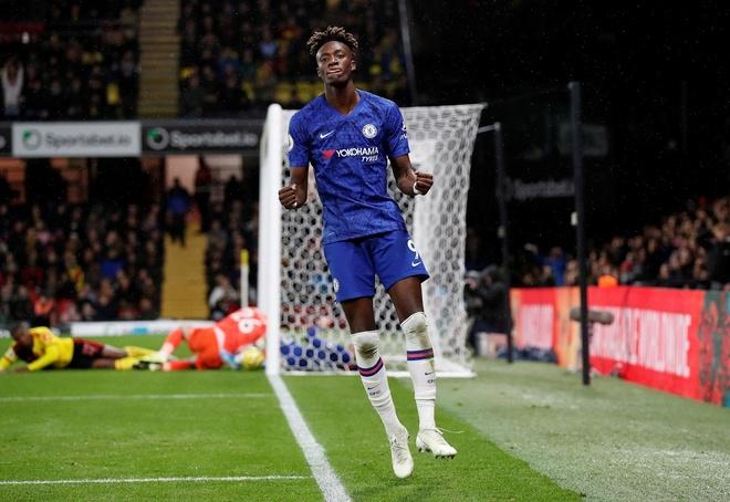 Tammy Abraham thang hoa giup Chelsea ha Watford hinh anh 11