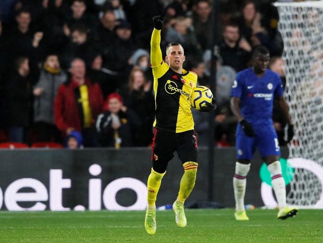 Tammy Abraham thang hoa giup Chelsea ha Watford hinh anh 13