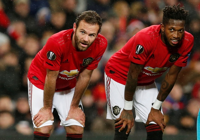 Thang Partizan 3-0, MU vao vong knock-out Europa League som 2 luot hinh anh 15