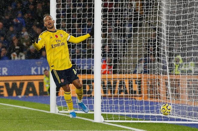 Arsenal chim trong khung hoang sau tran thua Leicester hinh anh 20