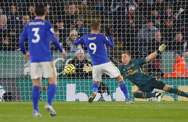 Arsenal chim trong khung hoang sau tran thua Leicester hinh anh 22
