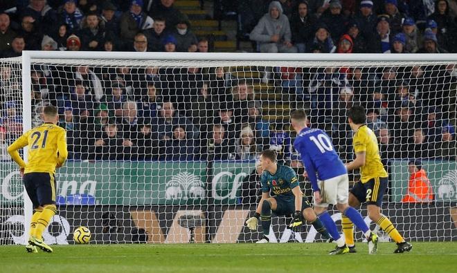 Arsenal chim trong khung hoang sau tran thua Leicester hinh anh 24
