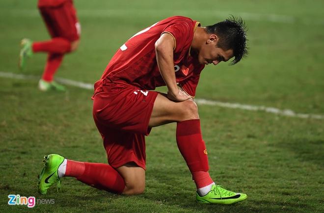 Viet Nam len dau bang sau tran thang UAE hinh anh 31
