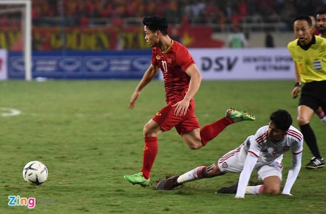 Viet Nam len dau bang sau tran thang UAE hinh anh 32