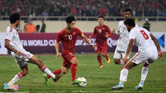 Viet Nam len dau bang sau tran thang UAE hinh anh 33