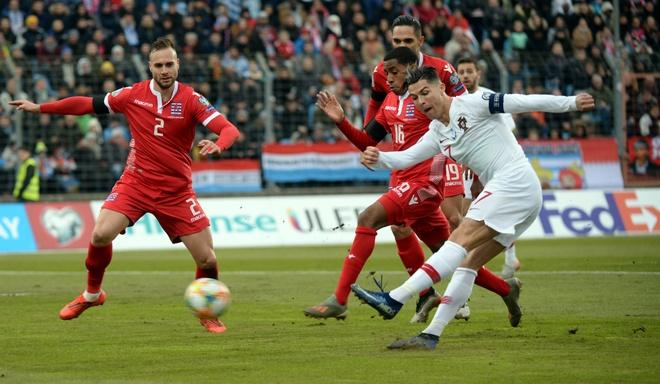 Ronaldo toa sang dua Bo Dao Nha du VCK Euro 2020 hinh anh 1