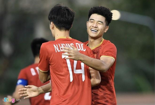 Tien Linh lap hat-trick giup U22 Viet Nam thang Lao 6-1 hinh anh 8