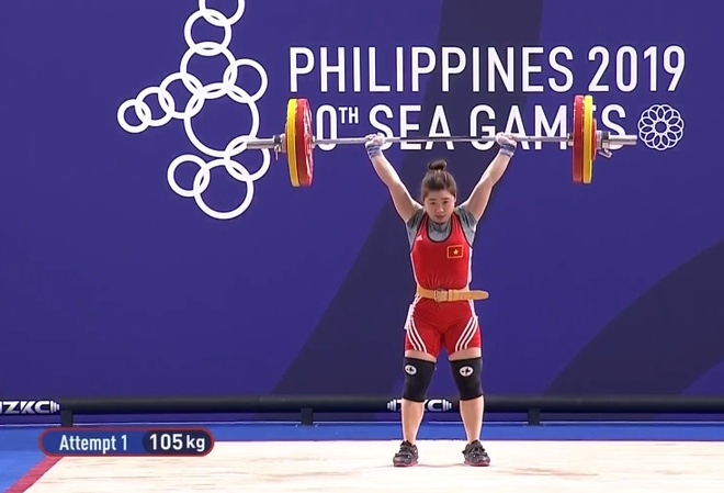 SEA Games 30: Nhan vien gat nuoc tren san dau cua U22 Viet Nam hinh anh 21