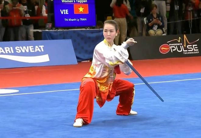 SEA Games 30: Quoc Khanh giai con khat vang cho wushu Viet Nam hinh anh 1