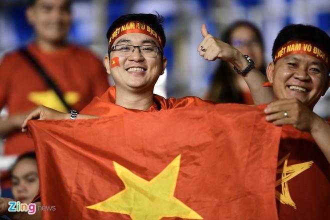 truc tiep Viet Nam vs Campuchia anh 10