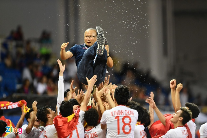 Thang dam Indonesia, U22 Viet Nam gianh HCV SEA Games sau 60 nam hinh anh 69