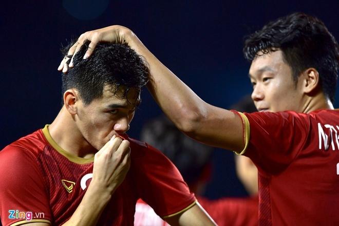 Thang dam Indonesia, U22 Viet Nam gianh HCV SEA Games sau 60 nam hinh anh 12