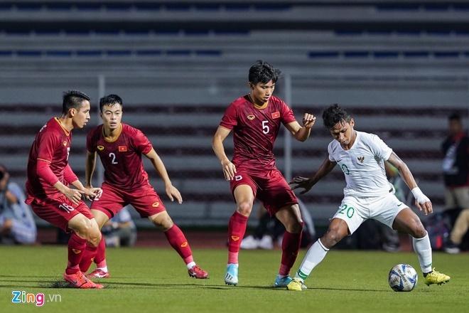 Thang dam Indonesia, U22 Viet Nam gianh HCV SEA Games sau 60 nam hinh anh 3
