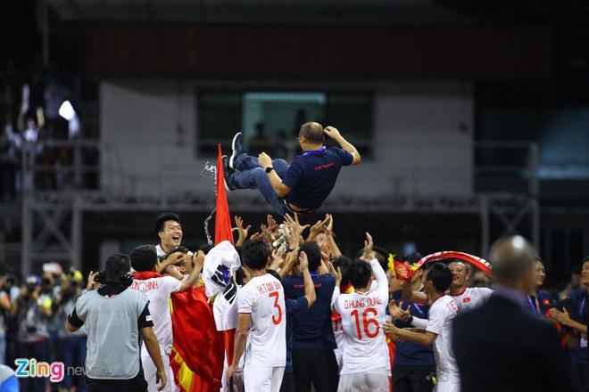 Thang dam Indonesia, U22 Viet Nam gianh HCV SEA Games sau 60 nam hinh anh 65