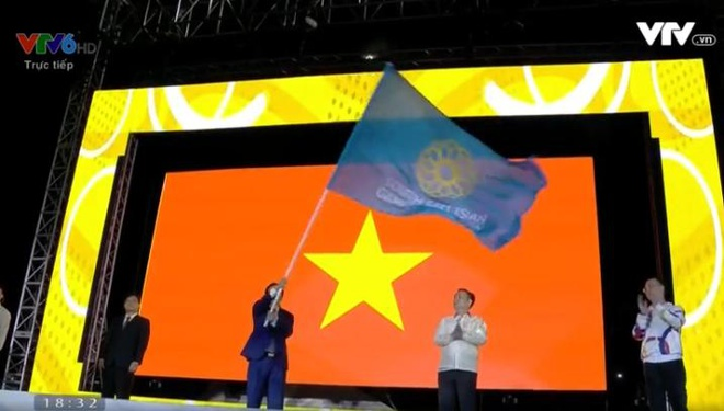 Chu nha Philippines trao co dang cai SEA Games 31 cho Viet Nam hinh anh 48