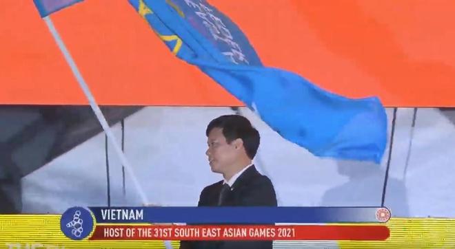 Chu nha Philippines trao co dang cai SEA Games 31 cho Viet Nam hinh anh 49