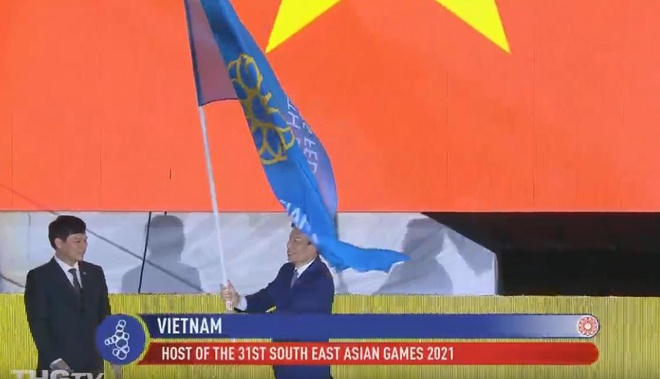 Chu nha Philippines trao co dang cai SEA Games 31 cho Viet Nam hinh anh 50