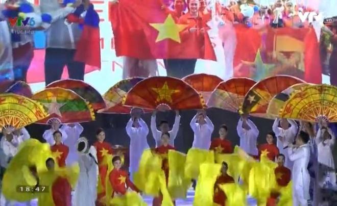 Chu nha Philippines trao co dang cai SEA Games 31 cho Viet Nam hinh anh 56