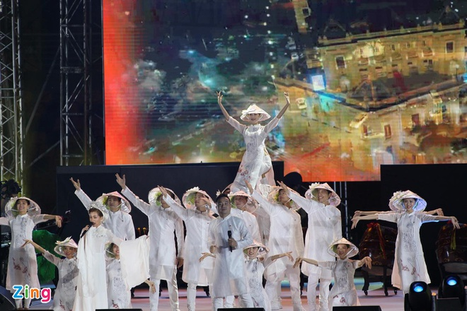 Chu nha Philippines trao co dang cai SEA Games 31 cho Viet Nam hinh anh 53
