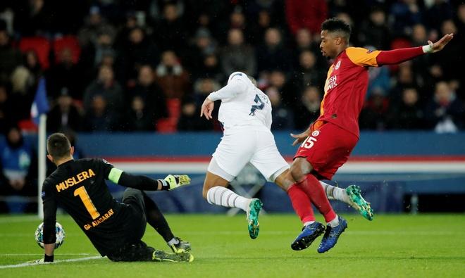 Real, PSG thang tung bung o luot cuoi vong bang Champions League hinh anh 8