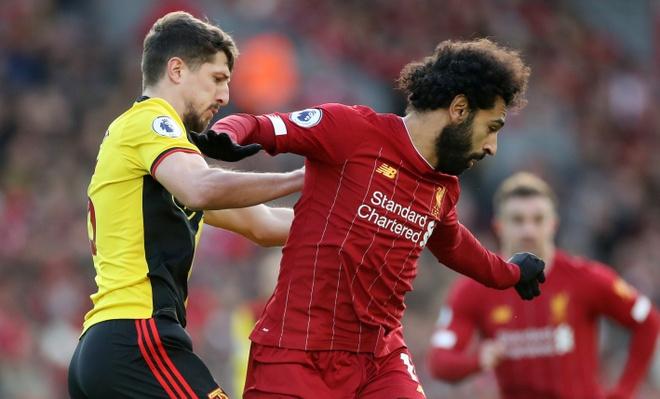 Salah lap cu dup, Liverpool thang tran thu 16 sau 17 vong hinh anh 12 2019-12-14T123641Z_23643141_RC20VD9MUB5A_RTRMADP_3_SOCCER-ENGLAND-LIV-WAT-REPORT.JPG