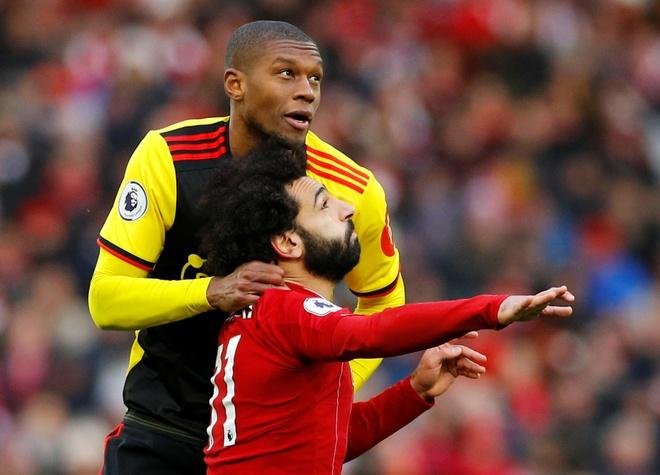 Salah lap cu dup, Liverpool thang tran thu 16 sau 17 vong hinh anh 21 2019-12-14T135511Z_664362526_RC21VD9W05E4_RTRMADP_3_SOCCER-ENGLAND-LIV-WAT-REPORT.JPG