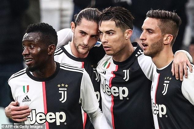 Juventus gia han voi Ronaldo anh 1