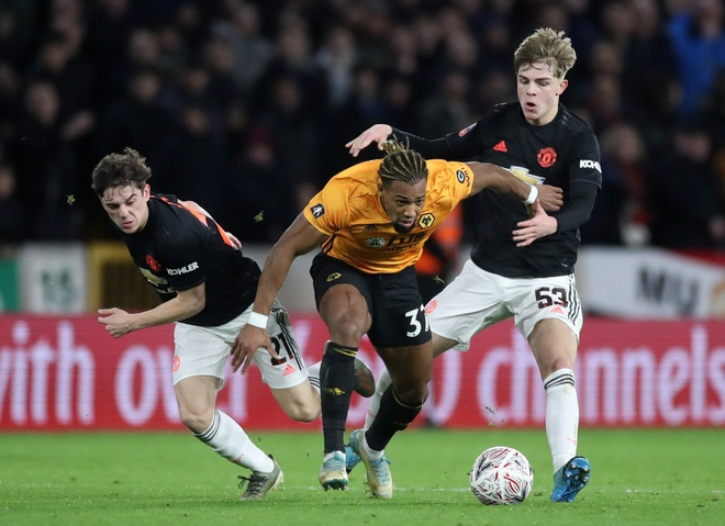 MU, Wolves phai da lai vong 3 FA Cup hinh anh 1 2020_01_04T180643Z_1822942473_RC269E9V075Z_RTRMADP_3_SOCCER_ENGLAND_WLV_MUN_REPORT.JPG
