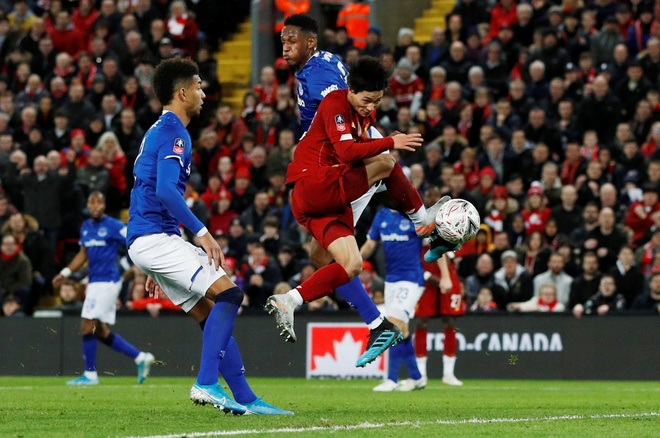 Liverpool vao vong 4 FA Cup trong ngay Minamino da chinh hinh anh 16 2020_01_05T163708Z_1972559592_RC2S9E9G9WMA_RTRMADP_3_SOCCER_ENGLAND_LIV_EVE_REPORT.JPG