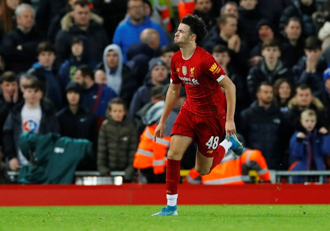 Liverpool vao vong 4 FA Cup trong ngay Minamino da chinh hinh anh 21 2020_01_05T173237Z_144743846_RC2T9E909L4A_RTRMADP_3_SOCCER_ENGLAND_LIV_EVE_REPORT.JPG