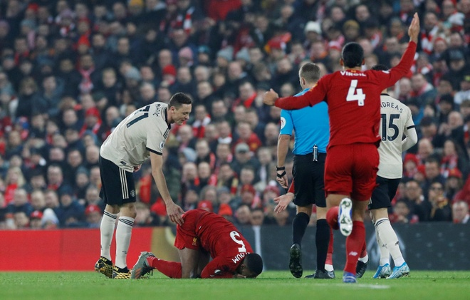 Ha MU, Liverpool hoan tat bo suu tap chien thang tai Premier League hinh anh 15 2020_01_19T163949Z_953612287_RC24JE9MC5QR_RTRMADP_3_SOCCER_ENGLAND_LIV_MUN_REPORT.JPG