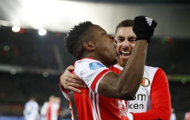 Van Hau du bi trong tran thua cua Heerenveen hinh anh 8 2_2.JPG