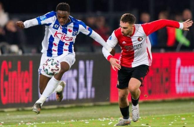 Van Hau du bi trong tran thua cua Heerenveen hinh anh 10 2_4.JPG
