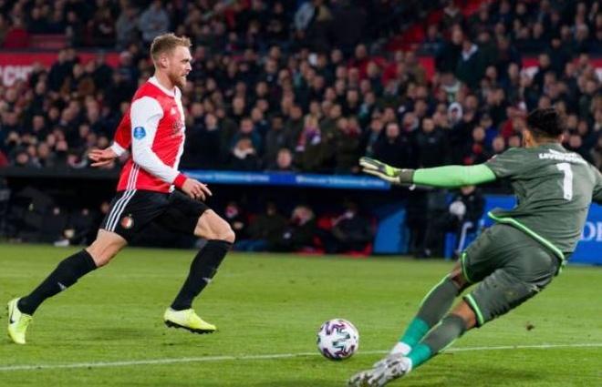 Van Hau du bi trong tran thua cua Heerenveen hinh anh 11 2_5.JPG