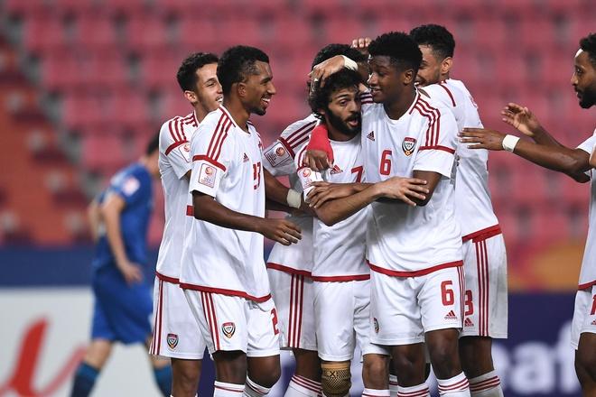 De bep UAE 5-1, U23 Uzbekistan gianh quyen vao ban ket chau A hinh anh 11 EOpgahMUcAEvEHp.jpg