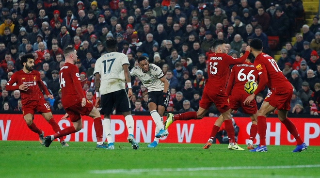 Ha MU, Liverpool hoan tat bo suu tap chien thang tai Premier League hinh anh 25 2020_01_19T171255Z_397356968_RC25JE943E8M_RTRMADP_3_SOCCER_ENGLAND_LIV_MUN_REPORT.JPG