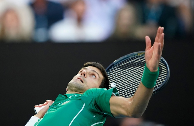 Ha Thiem sau 5 set, Djokovic lan thu 8 vo dich Australian Open hinh anh 13 2020_02_02T085245Z_581879226_UP1EG220ONX4G_RTRMADP_3_TENNIS_AUSOPEN.JPG