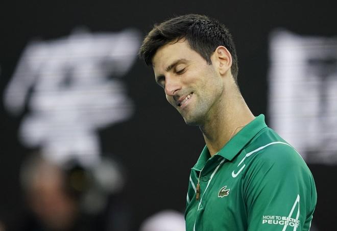 Ha Thiem sau 5 set, Djokovic lan thu 8 vo dich Australian Open hinh anh 18 2020_02_02T090721Z_1721756329_UP1EG220PC956_RTRMADP_3_TENNIS_AUSOPEN.JPG