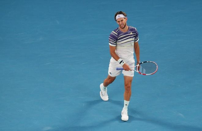 Ha Thiem sau 5 set, Djokovic lan thu 8 vo dich Australian Open hinh anh 20 2020_02_02T093340Z_1784490376_UP1EG220QK46B_RTRMADP_3_TENNIS_AUSOPEN.JPG