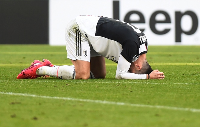 Juventus 3-0 Fiorentina: Ronaldo lap cu dup tu cham phat den hinh anh 11 2020_02_02T120752Z_768293845_RC2CSE967O5J_RTRMADP_3_SOCCER_ITALY_JUV_FIO_REPORT.JPG